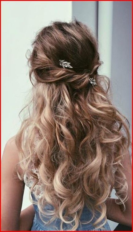 Cute Prom Hairstyle For Shoulder Length